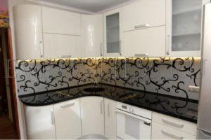 JJV8EX63sL8 300x200 - Кухни - Наши работы