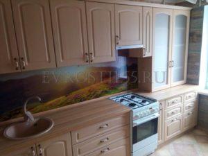 ZSH5ZAvzKrY 1 300x225 - Кухни - Наши работы