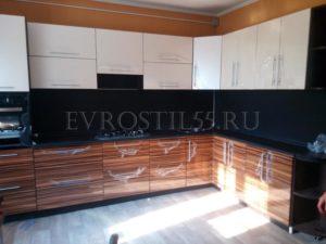 nrhVzVBCi9U 300x225 - Кухни - Наши работы