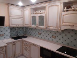 u7HMcr9BneU 1 300x225 - Кухни - Наши работы